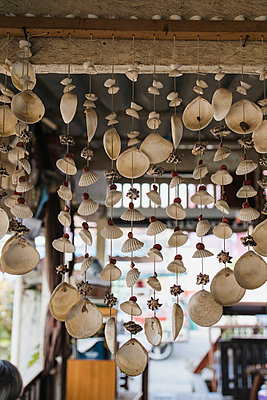 Thailand, Souvenirs, Mobile - p728m2230493 by Peter Nitsch