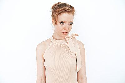 Pale young woman - p1012m892111 by Frank Krems