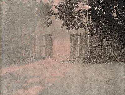 Portal - p1148m938301 by Nicolas Poizot