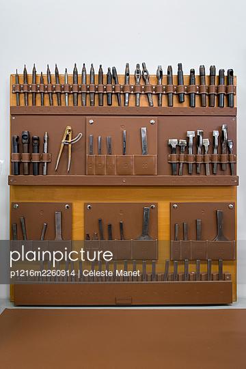 Tools - p1216m2260914 by Céleste Manet