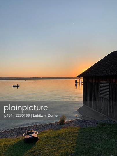 Sunset at the lake - p454m2280166 by Lubitz + Dorner