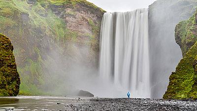waterfall, Skogafoss, Iceland - p343m1173429 by Raffi Maghdessian