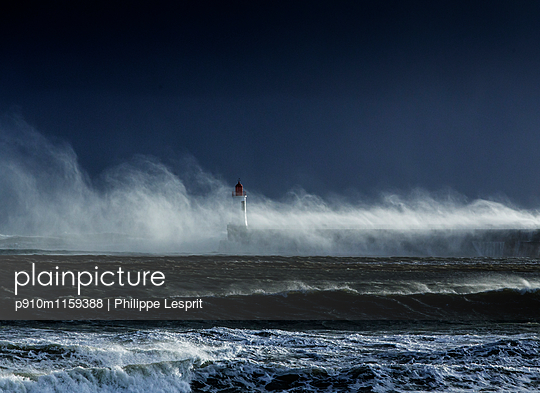 Surging billows on the coast - p910m1159388 by Philippe Lesprit