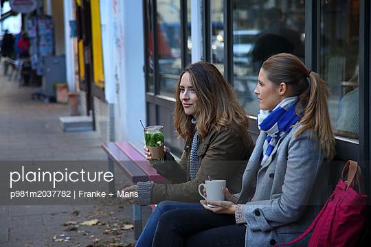 Verabredung - p981m2037782 von Franke + Mans