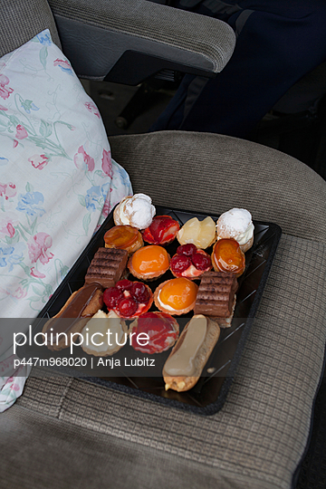 Reiseproviant - p447m968020 von Anja Lubitz