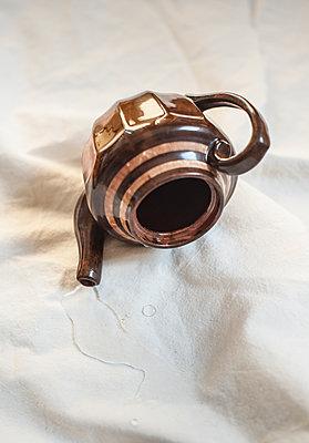 Spilled teapot - p971m1215240 by Reilika Landen