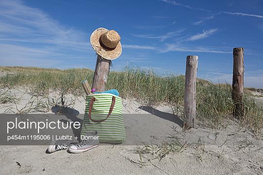 Tag am Strand - p454m1195006 von Lubitz + Dorner