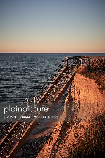 Treppe - p706m1170044 von Markus Tollhopf