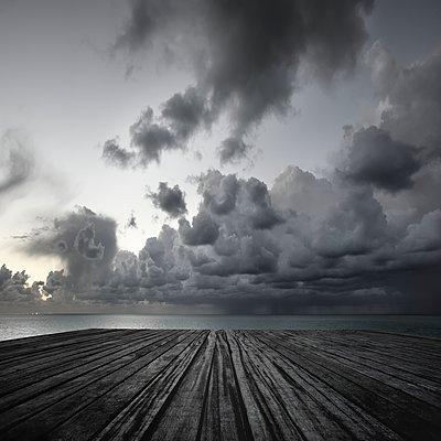 Düsterer Himmel - p1137m1201409 von Yann Grancher