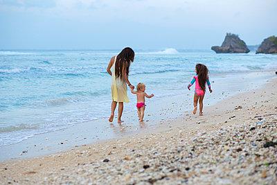 Familie am Strand - p1108m933757 von trubavin