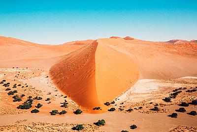 Sossusvlei, Namibsand-Dünen - p642m892585 von brophoto
