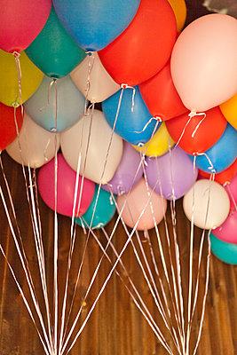 Balloons - p978m933977 by Petra Herbert