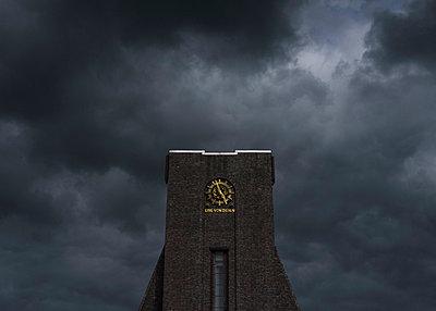 Krematorium - p1263m1466969 von Tomas Engel
