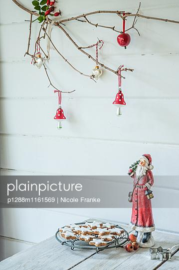 Zimtsterne und Weihnachtsmann - p1288m1161569 von Nicole Franke