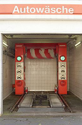 Car wash - p1180070 by Daniel Sadrowski