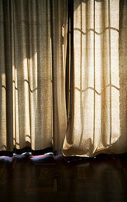 Geschlossener Vorhang  - p1248m1503215 von miguel sobreira