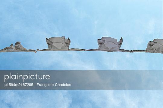 Les blouses blanches - p1594m2187295 by Françoise Chadelas