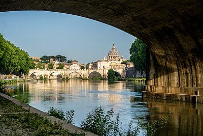 Rome, River Tiber and St. Peter's Basilica - p1275m2100026 by cgimanufaktur