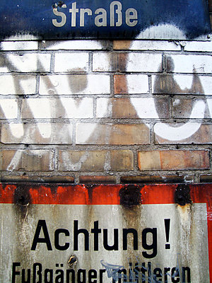 Straßenschild - p9790955 von Rettschlag