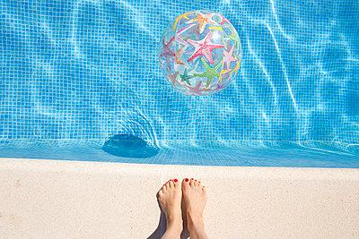 Water games - p454m1526334 by Lubitz + Dorner