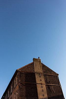 Haus und Himmel - p1611m2196309 von Bernd Lucka