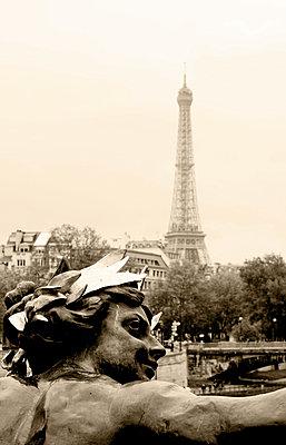 Bronze - p4450760 by Marie Docher