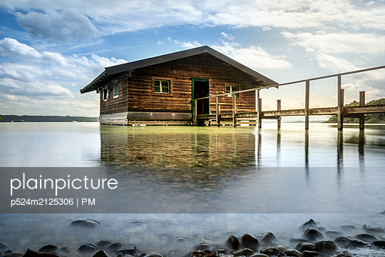 Boathouse on Lake Starnberg - p524m2125306 by PM