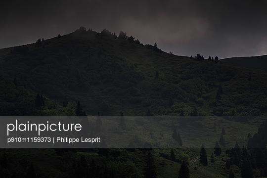 Plateau Emparis in der Abenddämmerung - p910m1159373 von Philippe Lesprit