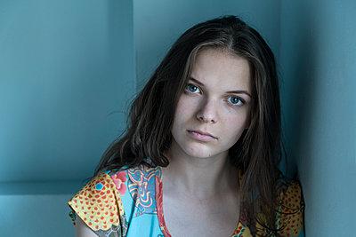 Junge Frau - p427m1540324 von R. Mohr