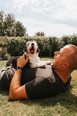 Summer Dog - p1507m2167924 by Emma Grann