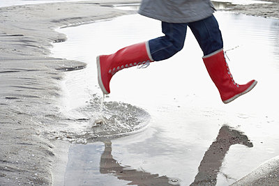Red wellingtons - p4641530 by Elektrons 08