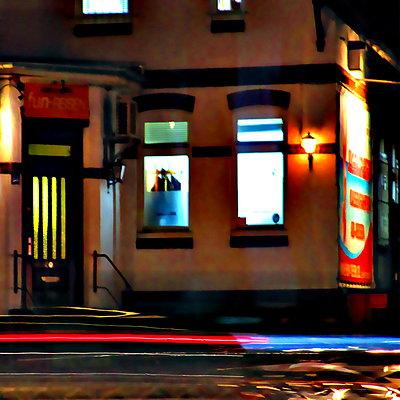 Haus an einer Straße - p979m1036170 von Kumpernatz Ruth