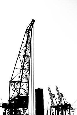Hafenkräne - p488m1181801 von Bias