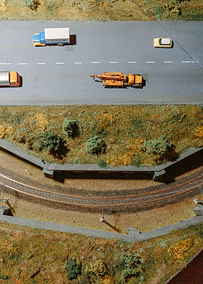 Model railway and road - p1085m2007812 by David Carreno Hansen
