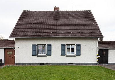"""Haus in der Arbeitersiedlung """"Dahlhauser Heide"""" in Bochum - p105m1025454 von André Schuster"""