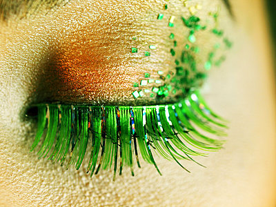 Green eyelashes - p1072m828939 by Clive Branson
