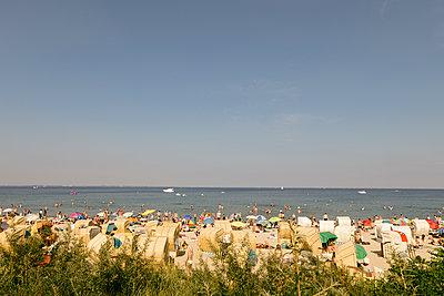 Timmendorfer Strand im Sommer - p1222m1169424 von Jérome Gerull