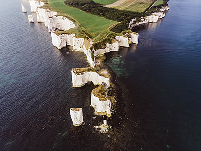 Old Harry Rocks - p1326m2099826 by kemai