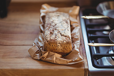 Close-up of baked bread - p1315m1229908 by Wavebreak