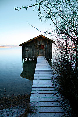 Boatshed in Bavaria - p375m893348 by whatapicture
