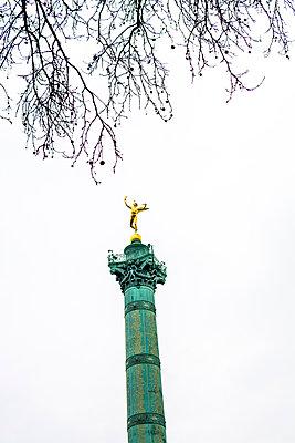 Die Julisäule auf der Place de la Bastille - p813m1214745 von B.Jaubert