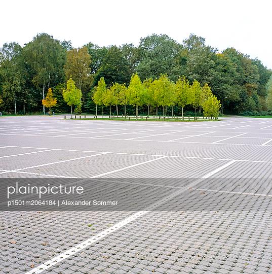 parking spot - p1501m2064184 by Alexander Sommer