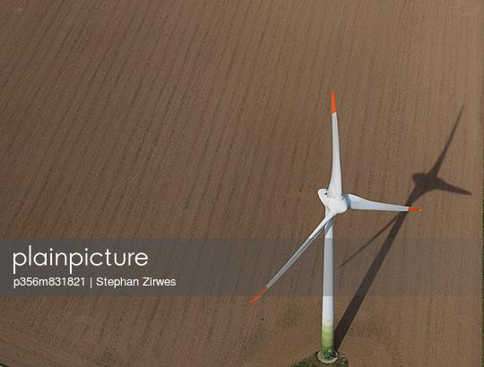 Windrad - p356m831821 von Stephan Zirwes