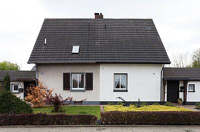 """Haus in der Arbeitersiedlung """"Dahlhauser Heide"""" in Bochum - p105m1025453 von André Schuster"""