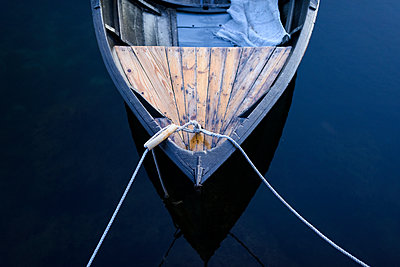 Moored boat, high angle view - p312m1211332 by Stefan Isaksson
