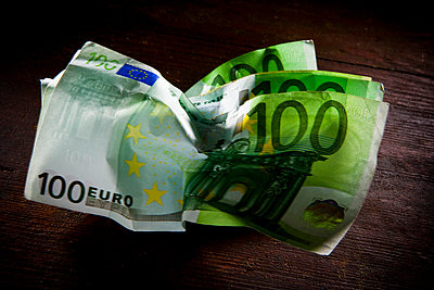 500 euro note - p4130322 by Tuomas Marttila