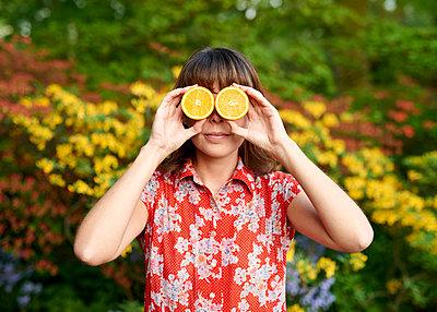 Orangen vor den Augen - p1124m1134810 von Willing-Holtz
