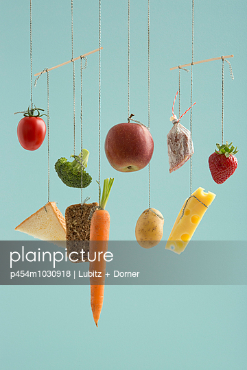 Balanced diet - p454m1030918 by Lubitz + Dorner