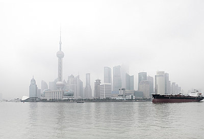 Shanghai - p7980224 von Florian Loebermann