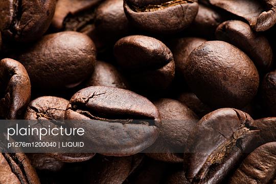 Kaffeebohnen Nahaufnahme - p1276m1200040 von LIQUID
